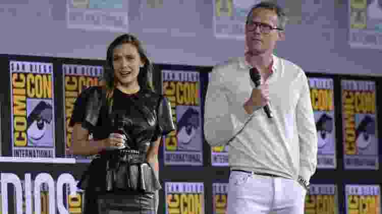 Elizabeth Olsen e Paul Bettany durante painel da Marvel, na San Diego Comic-Con - Chris Delmas/AFP