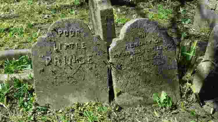 """Lápides do """"pet cemetery"""" londrino são marcadas por declarações de amor e manifestações de tristeza - Divulgação/The Royal Parks - Divulgação/The Royal Parks"""