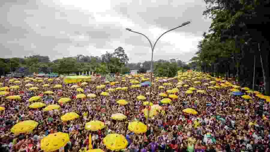 Bloco Bem Sertanejo arrasta multidão comandada por Michel Teló em SP - Marcelo Justo/UOL