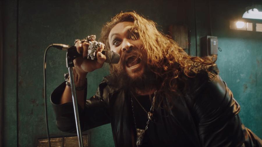 Jason Momoa em clipe de Ozzy Osbourne - Reprodução/YouTube
