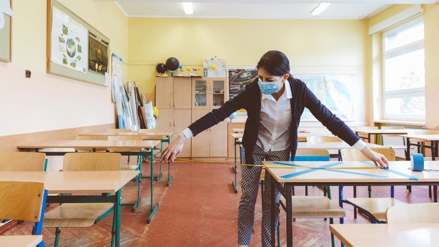 Imagem meramente ilustrativa; Cada unidade de ensino precisa definir a quantidade de alunos que irá receber, respeitando distância - Getty Images
