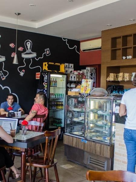 Localizada no bairro Jardim da Penha, em Vitória, cafeteria vai dar 10% de desconto para quem estiver imune do novo coronavírus - basta apresentar o cartão que comprove a vacinação - Divulgação