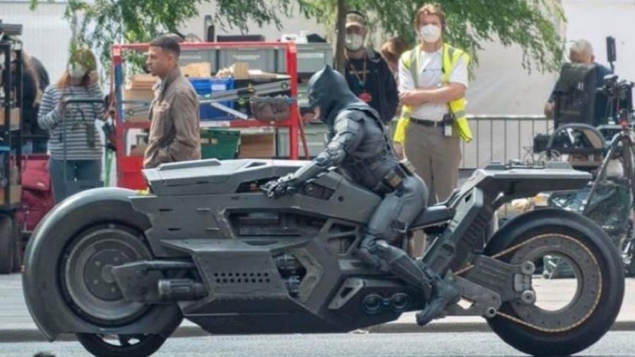 """Moto do Batman em """"The Flash"""" vaza  - Reprodução"""
