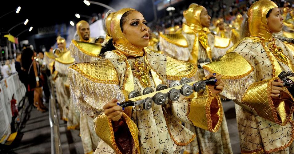 Desfile da Escola de Samba Independente Tricolor