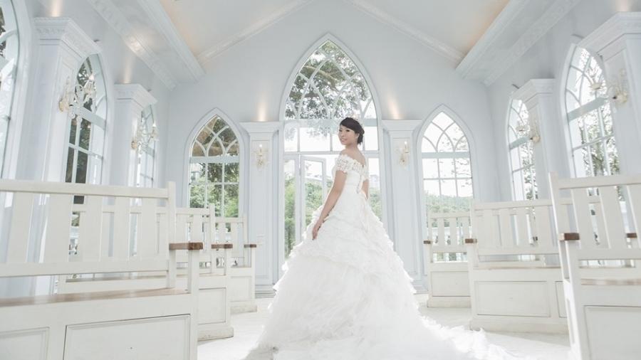 A taiwanesa Mary Chen em seu ensaio de noiva - Reprodução/Facebook