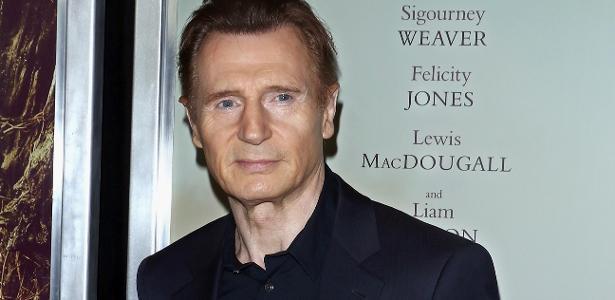 """O ator norte-irlandês Liam Neeson na première de """"Sete Minutos Depois da Meia-Noite"""", em Nova York"""