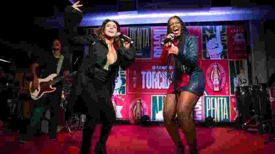 Daniela Mercury e Iza gravam juntas o Hino Número 1, que embalou a seleção de 1994 - Divulgação