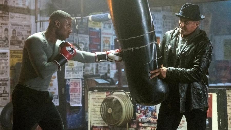 """Sylvester Stallone interpreta Rocky Balboa e Michael B. Jordan é Adonis Creed, em cena do filme """"Creed 2"""" - Divulgação"""