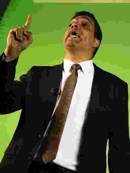 Cabo Daciolo se tornou uma das principais atrações dos debates presidenciais  - Marcelo Chello/CJPress/Folhapress