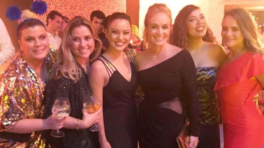 Angélica reencontra ex-angelicats: Mariana Nogueira, Marcella Bordallo, Geovanna Tominanga, Micheli Machado e Juliana Silveira - Reprodução/Instagram