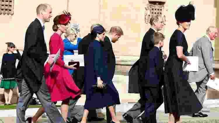 Meghan, a duquesa de Sussex, na chegada ao casamento da princesa Eugenie com o príncipe Harry, Kate, a duquesa de Cambridge, o príncipe William, Sophie, a condessa de Wessex, o príncipe Edward, conde de Wessex e o príncipe Charles - Getty Images - Getty Images
