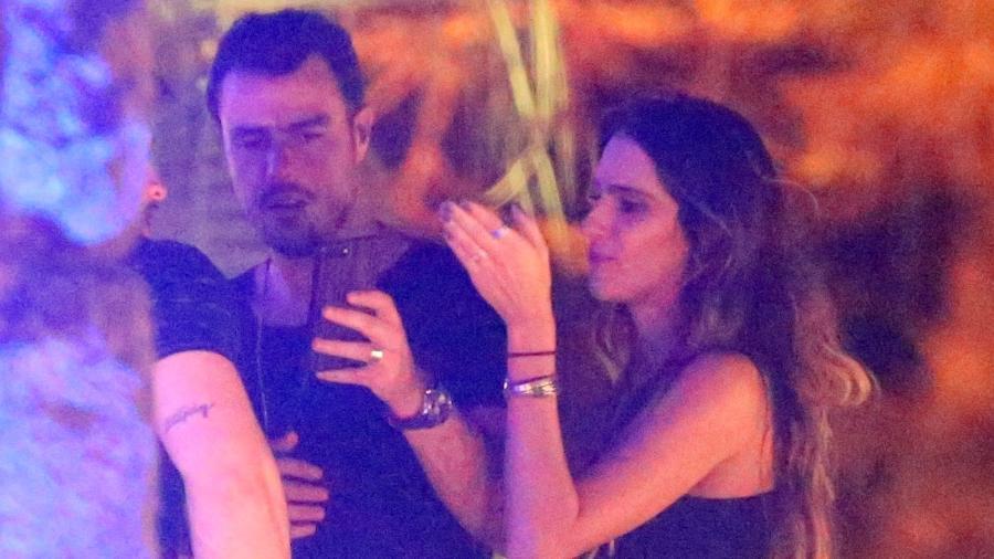 Joaquim Lopes e a namorada Marcella Fogaça - Ag.News
