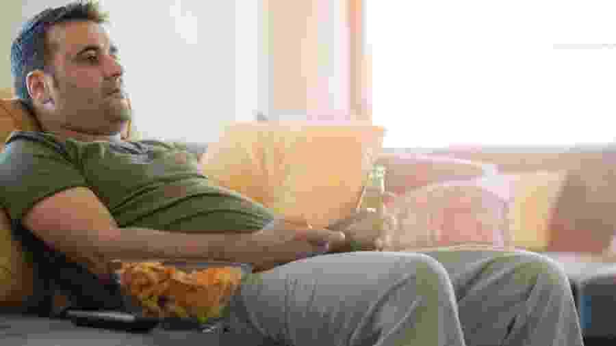 Sedentarismo e má alimentação são hábitos ruins que estão associados a um maior risco de ter diabetes - iStock