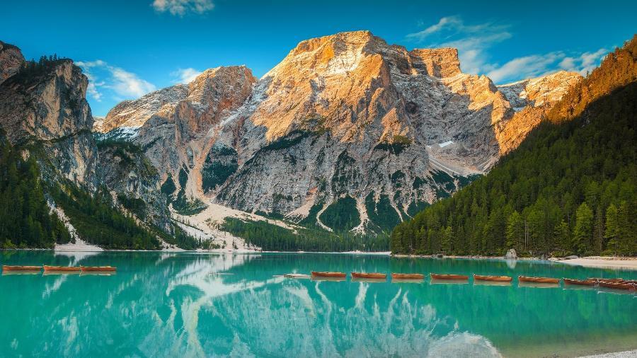 Lago di Braies, nas Dolomitas, na Itália - iStock