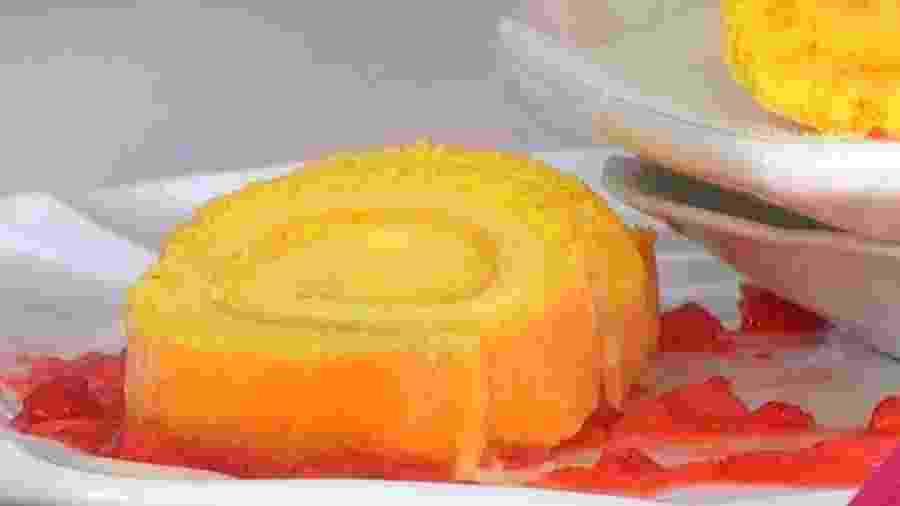 Rocambole de cheesecake de morango feito por Ana Maria Braga - Reprodução/TV Globo