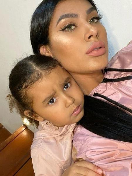 Pocah e a filha, Vitória - Reprodução / Instagram
