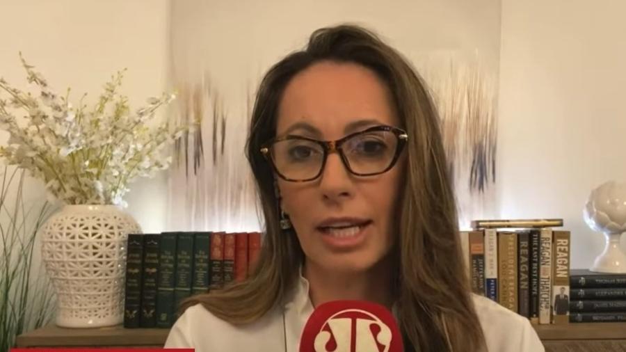 Ana Paula Henkel, ex-jogadora de vôlei - Reprodução/Youtube