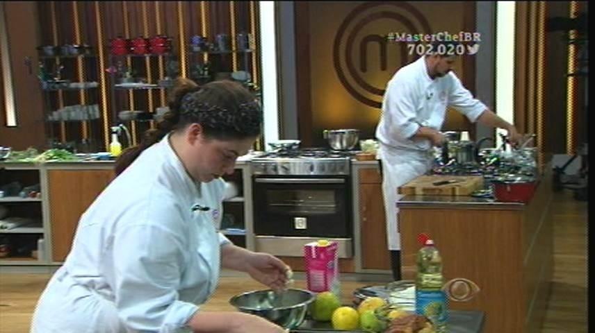 15.set.2015 - Os competidores tiveram duas horas para cozinhar a entrada, o prato principal e a sobremesa
