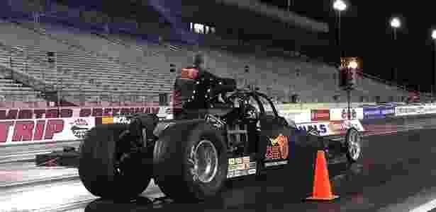 Dragster testado por UOL Carros em Las Vegas tinha 500 cv e pouco mais de 600 kg - André Deliberato/UOL - André Deliberato/UOL