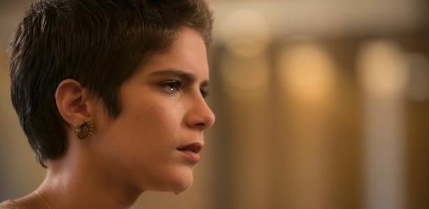 """Letícia (Isabella Santoni) chora ao descobrir a verdade sobre sua paternidade em """"A Lei do Amor"""" - Reprodução/GShow"""