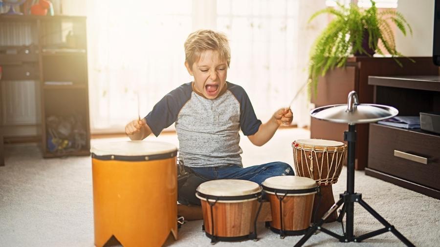 Antes de comprar um presente barulhento ou grande demais, consulte os pais da criança - Getty Images
