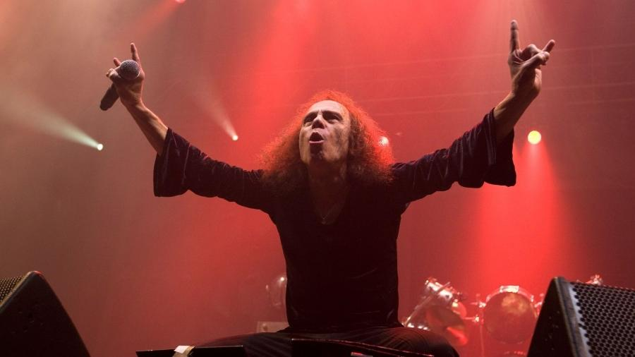 O vocalista Ronnie James Dio - Reprodução