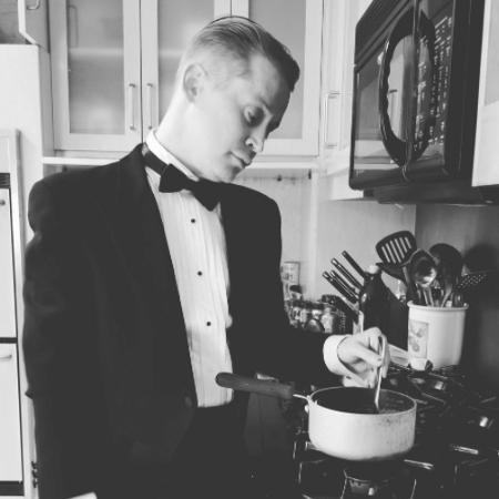 Macaulay Culkin tira sarro do Oscar e prepara um miojo  - Reprodução