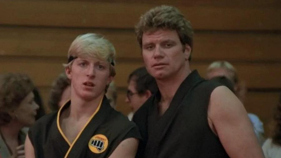 """Johnny Lawrence (William Zabka) e John Kreese (Martin Kove) em """"Karatê Kid: A Hora da Verdade"""" - Reprodução"""
