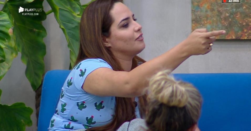 Perlla conversa com Gabi Prado e Luane Dias