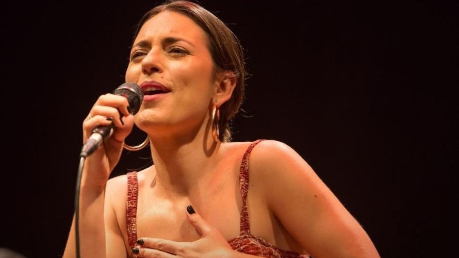 """Ana Setton lança álbum de estreia nesta sexta - Fernando Sant""""Ana"""