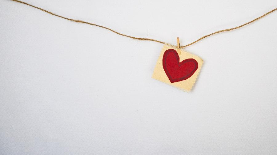 Amor em janeiro - Debby Hudson/Unsplash