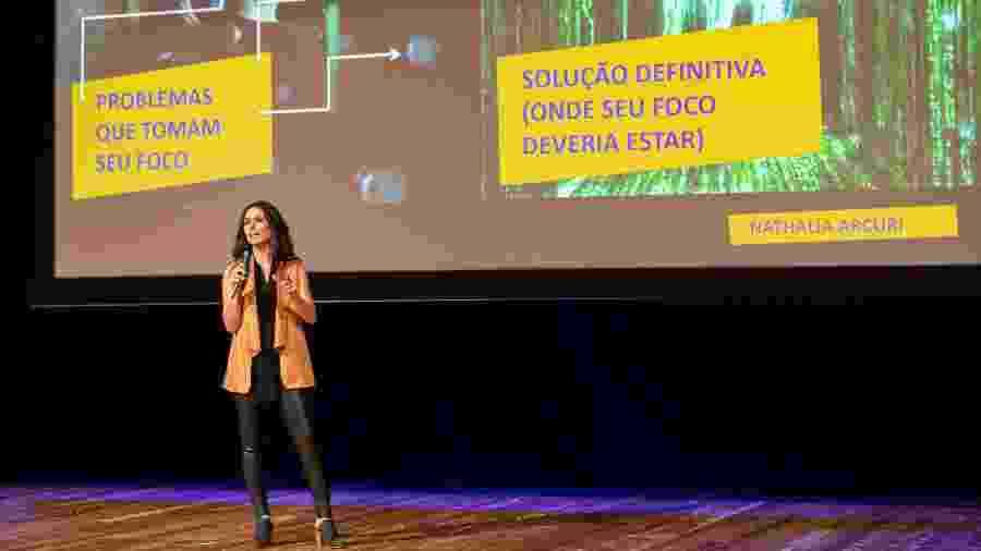 Nathalia Arcuri apresenta palestra no Encontros GRAACC - Adriana Ranalli