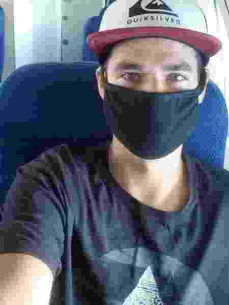 Cícero Bilhalba no voo que o tirou das Filipinas - Arquivo pessoal - Arquivo pessoal