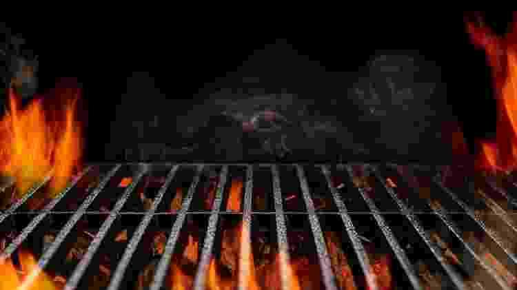 Churrasqueira acesa: ponto ideal para o churrasco é de brasa - Getty Images/iStockphoto - Getty Images/iStockphoto