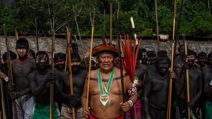"""Ao centro: Davi Kopenawa Yanomami no encontro de Lideranças Yanomami e Ye""""kuana, onde os indígenas se manifestaram contra o garimpo em suas terras. -  Victor Moriyama/ISA"""