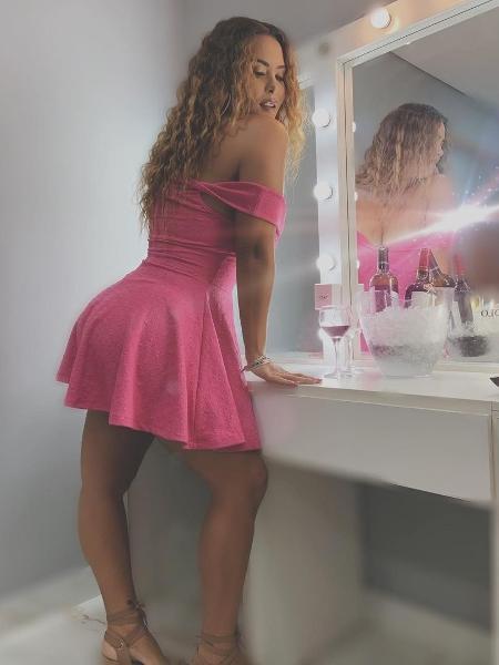 Geisy Arruda posa com vestido rosa - Reprodução Instagram