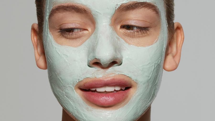 Máscaras faciais estão disponíveis no mercado para todos os tipos de pele e com uma infinidade de resultados. Escolha o que você quer! - Getty Images