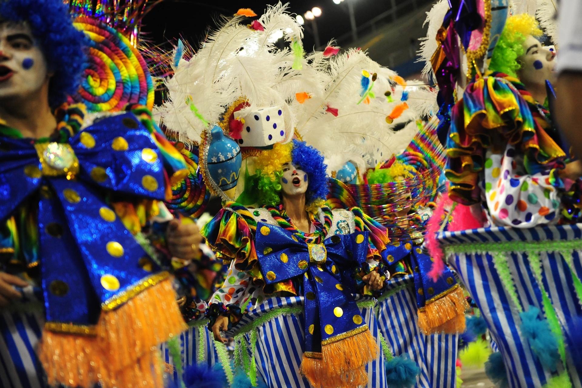 13.fev.2016 - A escola do Tatuapé é a penúltima no desfile das campeãs