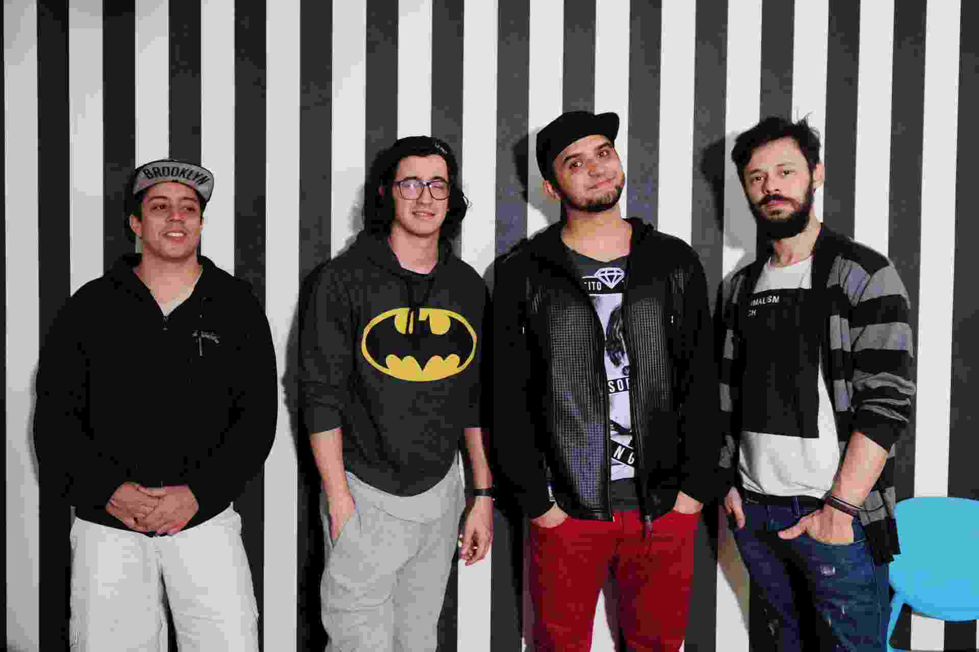 Da esquerda para a direita, os humoristas Renato Albani, Afonso Padilha, Thiago Ventura e Nando Viana - Junior Lago/UOL
