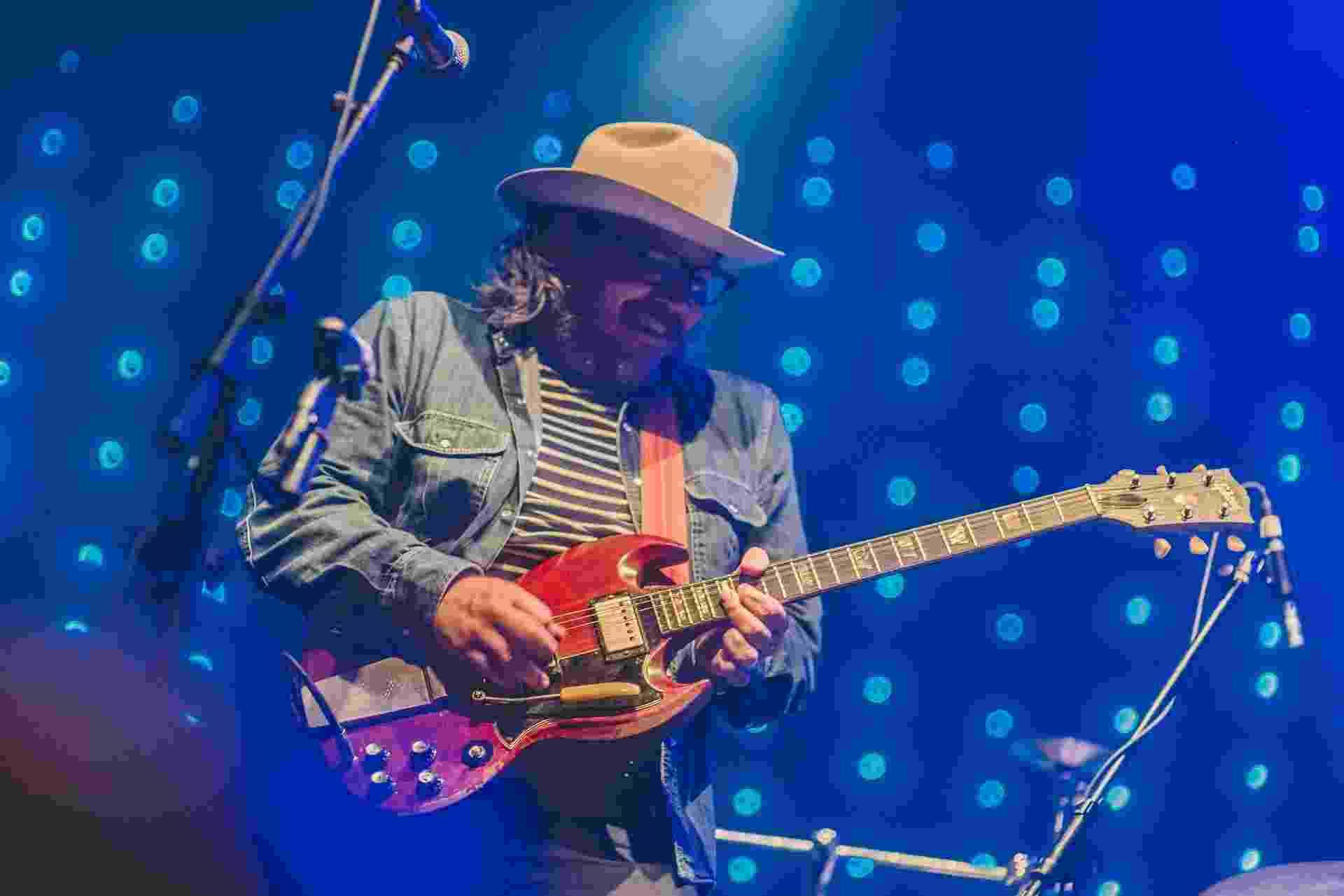 6.out.2016 - Ícones do rock alternativo, o Wilco se apresentou nesta quinta-feira no Circo Voador, no Rio de Janeiro. Esta é apenas  a apenas a segunda vez que o grupo de Chicago vem ao Rio - a outra foi há 11 anos, no Tim Festival de 2005. - Eduardo Magalhães/Divulgação