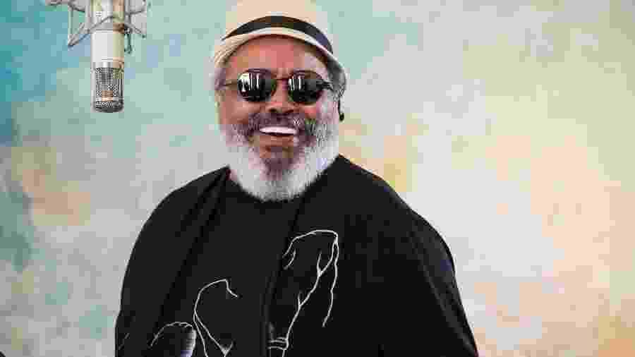 """O sambista Jorge Aragão, compositor do tema de Carnaval da Globo, """"Globeleza"""" - Mario Rodrigues/Divulgação"""