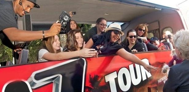 Turistas conhecem os bafos de Hollywood a bordo de veículo do canal TMZ - Divulgação/TMZ Celebrity Tour