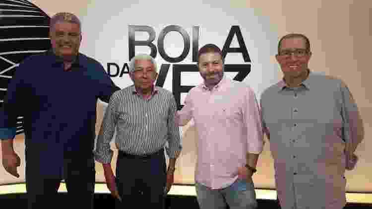Léo Medrado, técnico Givanildo e os jornalistas Mario Marra e Eduardo Affonso - Divulgação - Divulgação