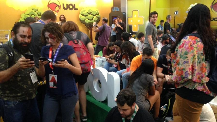 Que comece a batalha! Estande do UOL oferece aplicativo com disputa entre geeks - Rodolfo Vicentini/UOL