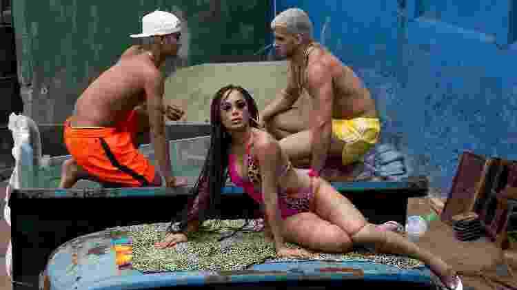"""Cena da gravação do clipe """"Vai Malandra"""", de Anitta, no morro do Vidigal, no Rio de Janeiro - Divulgação - Divulgação"""