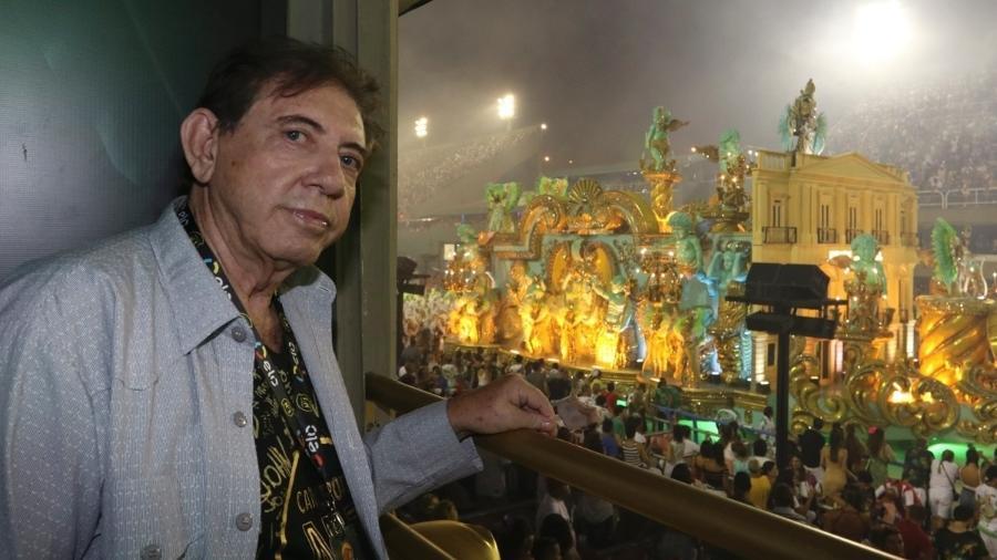 O médium João de Deus assiste aos desfiles do Carnaval 2018 - Divulgação / Felipe Panfili