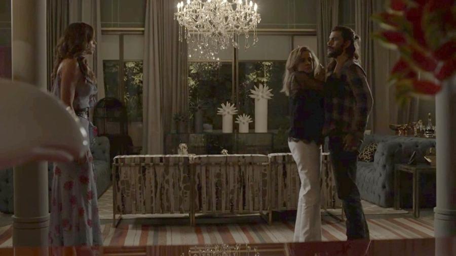 """Lívia flagra Sophia com Mariano em """"O Outro Lado do Paraíso"""" - Reprodução/Gshow"""