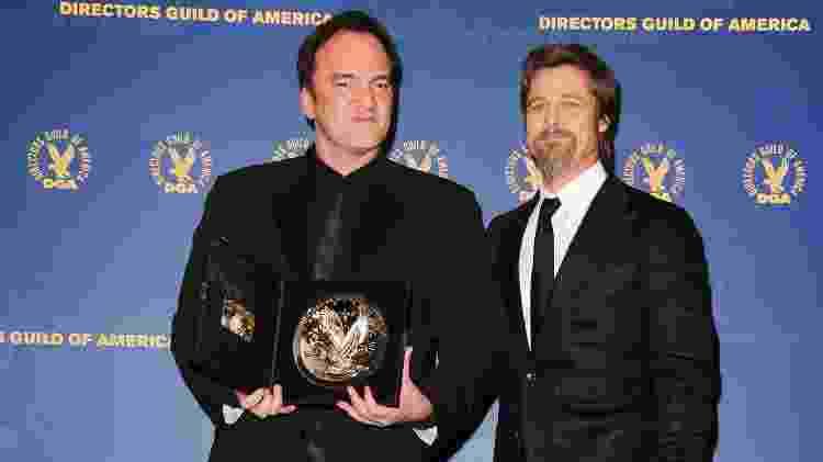 """Quentin Tarantino e Brad Pitt recebem prêmio por """"Bastardos Inglórios"""", em 2010 - Frazer Harrison/Getty Images"""
