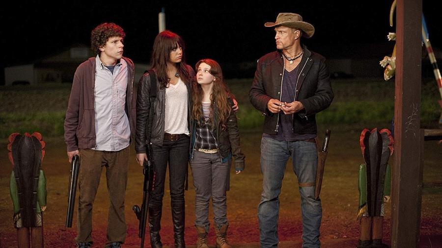 "Woody Harrelson, Jesse Eisenberg, Abigail Breslin e Emma Stone em ""Zumbilândia"" (2009) - Divulgação"