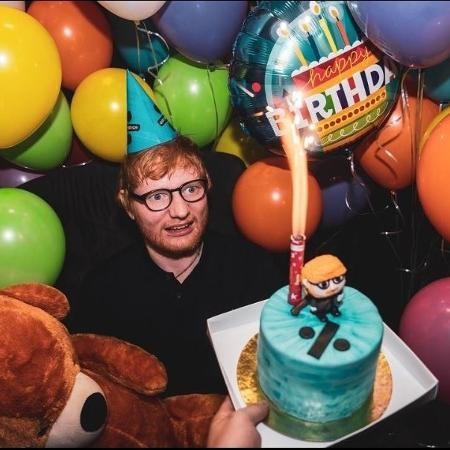 Ed Sheeran comemora o aniversário de 28 anos em pizzaria de Porto Alegre - Reprodução/Instagram
